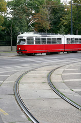 Tram bianco rosso