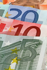 close up euro notes in ascending order