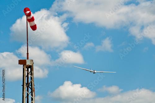 Segelflugzeug im Landeanflug