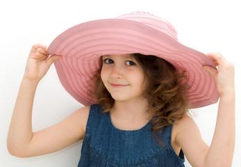 bimba con grande cappello