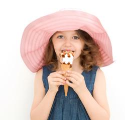 bimba con cono gelato