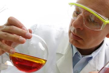 Untersuchung der Chemikalien