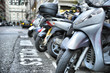 motos bien rangées