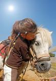 Fototapety fillette et son poney shetland