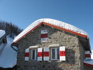 Rifugio Battisti con la neve