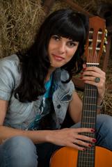 Gitarre, Heu, und Frau