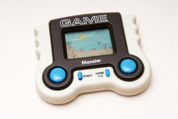 lcd game spiel monster