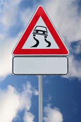 Cartello di strada pericolosa