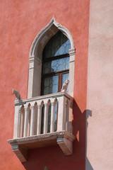 Venezia, finestra in stile