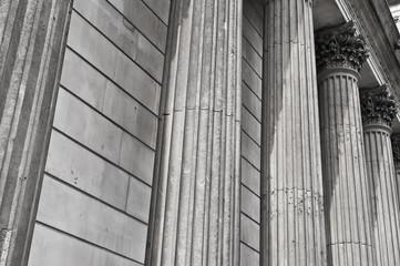 Stock exchange columns