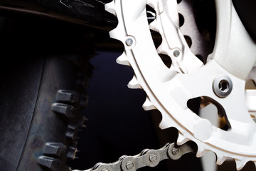 Gear and tire of mountain bike
