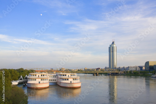 Schulschiff / Donau / Wien