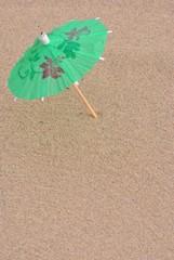 Ombrellino nella sabbia