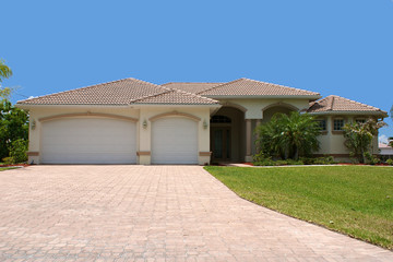 front view of generic florida home