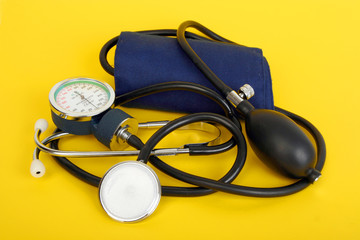 sphygmomanometer stethoscope blood pressure