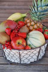 corbeille de fruits frais 2