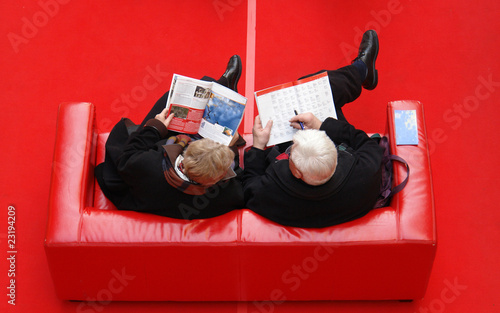 Leinwanddruck Bild red sofa 3