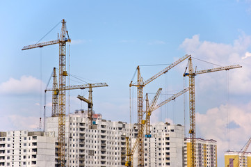 The crane elevating