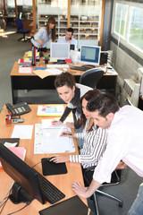 Commerciaux au bureau