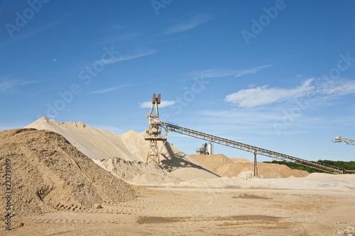 Conveyor on site at gravel pit - 23278089