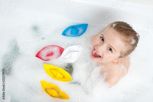 Playing in the bathtub - 23279893