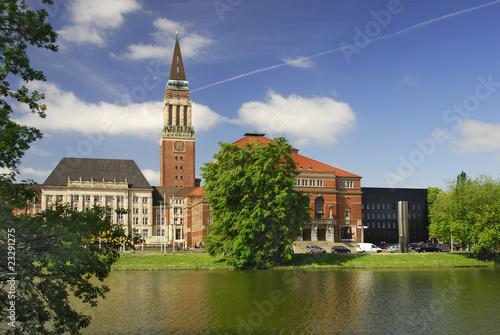Leinwanddruck Bild Kieler Rathaus mit Opernhaus