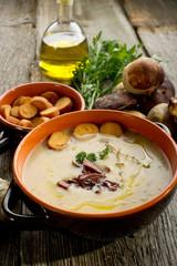 cep soupe- crema di funghi porcini e crostini
