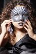 Frau mit Maske und tolle Nägel, women with mask, hoch