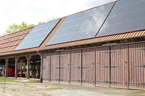 Solarmodule auf Scheune - 23361462