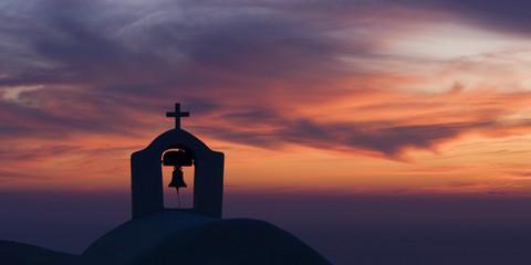 Kapelle nach Sonnenuntergang auf Santorini