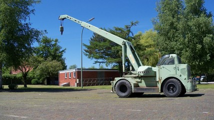 German four wheel crane of the 50th`s