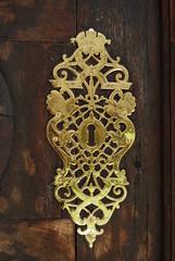 Serratura antica dorata