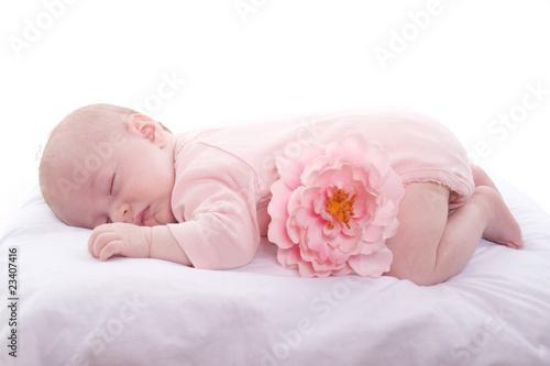 b 233 b 233 de 3 mois qui dort sur le ventre de magalice photo libre de droits 23407416 sur fotolia