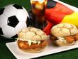 Leinwanddruck Bild - Fussball Snack