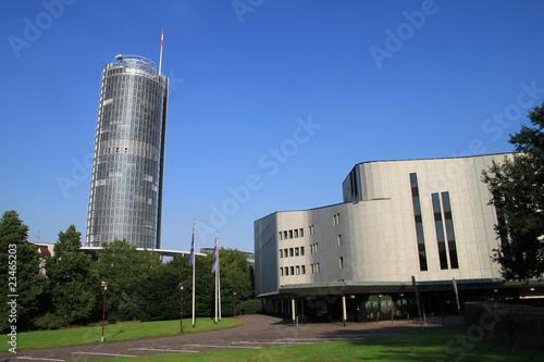 Aalto Theater und Büroturm in der Essener Innenstadt - 23465203