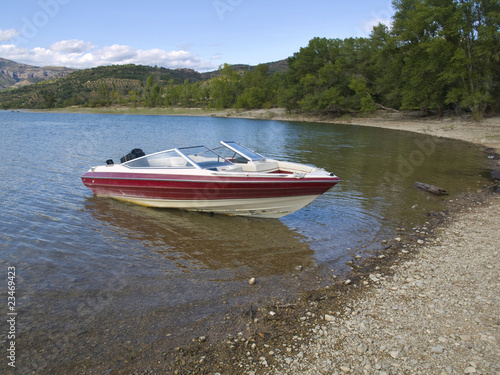 Yacht in the Sant Antoni lake series