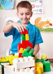 Child play construction set .
