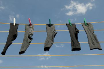 Herrensocken auf der Wäscheleine