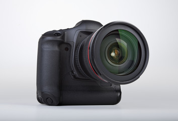 professionell DSLR Camera Front view with zoom lens