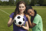 Befreundete Fussballspielerinnen, multikulturell