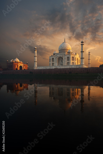 Riverview Taj Mahal & Jawab at Sunset