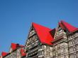 青空と赤い屋根