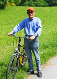 Happy Senior with Bike - Senior mit Fahrrad in Natur