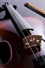 Violino em contraluz