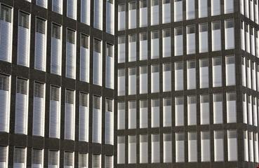Fenster von Geschäftsgebäuden
