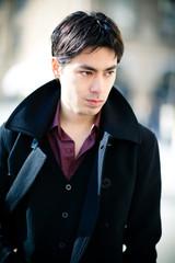 Jeune homme brun