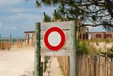 interdit de circuler vers la plage poster