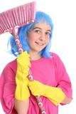 jeune fille avec balai et gants latex poster