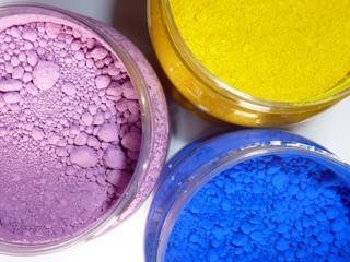 trois pigments