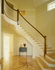 Curved Staircase in Foyer